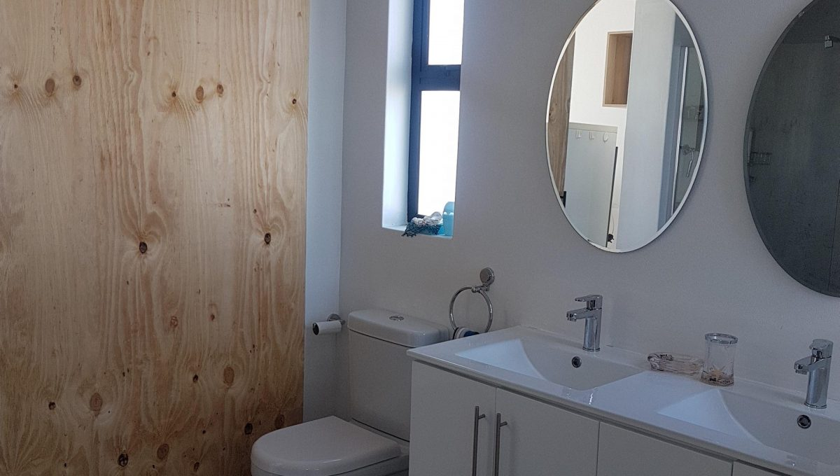 Starfish Bathroom 2