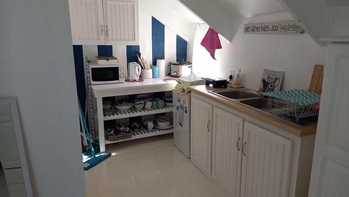 65UP-04 Kitchen